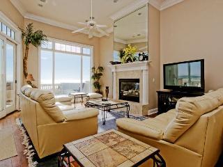Singleton Beach 11, Oceanfront 6 Bedrooms, Private Pool, Elevator, Sleeps 18, Hilton Head
