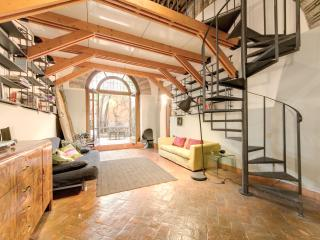 Trastevere Hyperloft with Patio, Rome