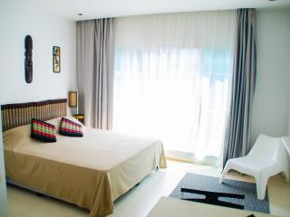 CONDO BEACH FRONT JOMTHIEN BEACH PATTAYA/ROOM 47