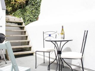 Tranquil Garden Studio in the heart of St Ives