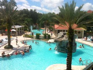 ORLANDO {Cozy Mini Suite - Sleeps 4} Star Island Resort & Club near Old Town