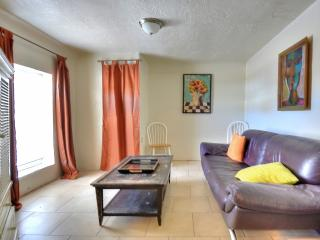 Amazing location near downtown/zoo Unit B, Albuquerque