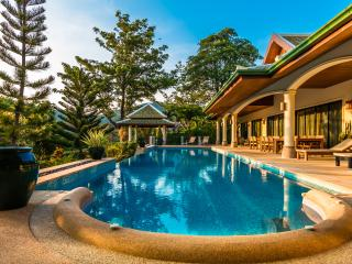 MOUNTAIN VIEW VILLAS 6 Bedroom sleeps16 near Beach, Nai Harn