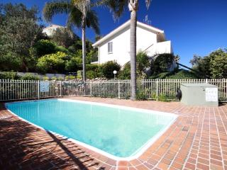 Affordable Villa - Stroll to the Beach - Manyana 30