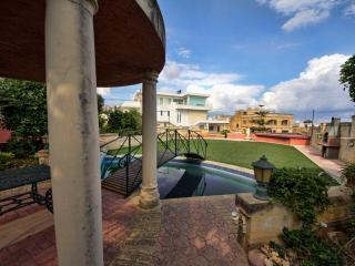 Madliena Apartment with Garden