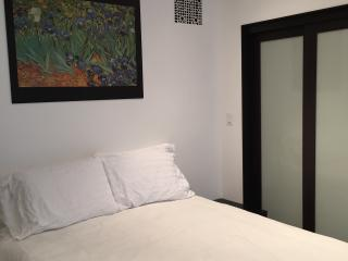 The Nightjar House-Full bed with ensuite-2 guests, Stafford