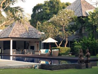 Layan Estate Villa, Nai Thon