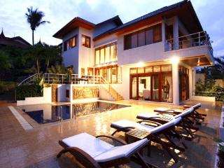 5 Bedrooms Patong Villa