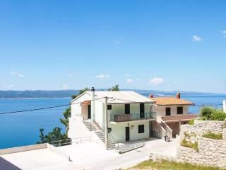 2 bedroom Apartment in Carevici, Splitsko-Dalmatinska Zupanija, Croatia : ref 55