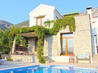 Samara Villa not overlooked - very private pool, Fethiye