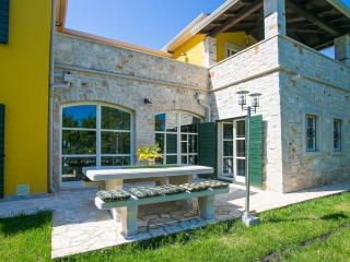 5 bedroom Villa in Montižana, Istria, Croatia : ref 5505449