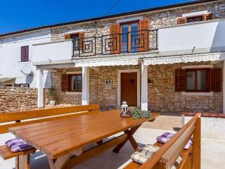 3 bedroom Villa in Valbandon, Istria, Croatia : ref 5505463