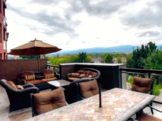 Mountain View, 2 Bedroom, 2 Bath plus Den, Kelowna