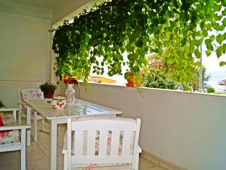 Apartment Ivanisevic-close to the beach, Podstrana