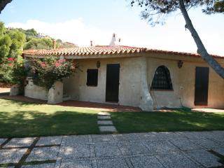 Villa Scarabeo, Geremeas