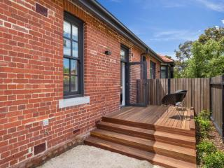 Class, Style and location in Carlton