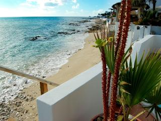 CARISMA on the BEACH... Totally charming beachfront 2BR in great location!, Simpson Bay