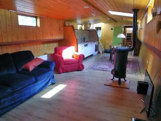 Wonderful Typical Houseboat (Marja)