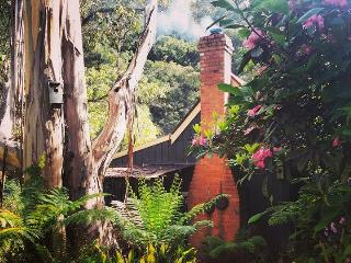Stringer's Cottage Walhalla is a cosy & romantic