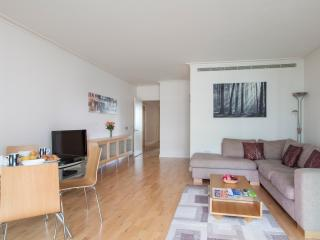 Dockland 2 Bed Apartment-II