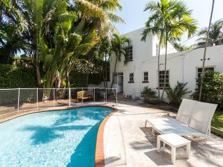 Miami Beach 3 Bed home ,swimming pool, south beach