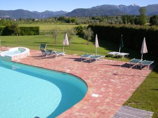 Il Melograno Raffa Two Bedroom Apt., Pool, WIFI, Manerba del Garda