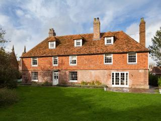 Beautiful Grade II listed Farmhouse,Goudhurst,Kent, Marden