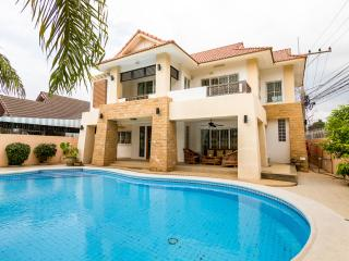 4 Bed 4 Bath in heart of Pattaya