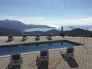 Luxury Apartment Lana with pool near Dubrovnik