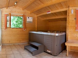 Ardlui Luxury Lodge - Hot tub, Loch Lomond, Arden
