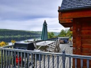 Luxury Hot Tub Lodges on Loch Ness, Foyers