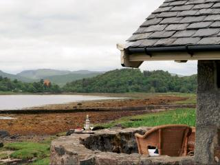 The Boat House - Stunning water views, Lochaline