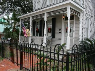 Award Winning 1886 Family Home Close To Beach, Galveston