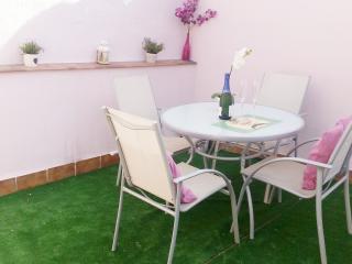 Lovely duplex, Wi/CPark and terrace. City center, Málaga