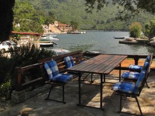 Quiet Apartment on Adriatic Irena, Okuklje