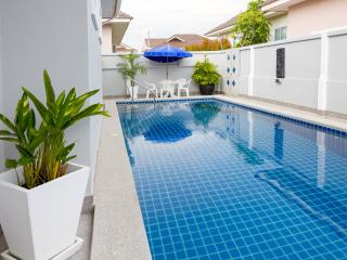 Bang Sare Siam Court 4 Bedroom pool Villa, Pattaya