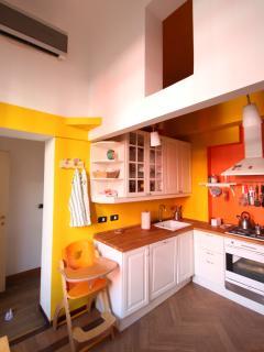 Casa sul parco di Indro Montanelli a Milano, appartamento allegro, luminoso e colorato
