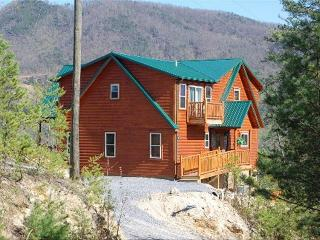 Over the Rainbow Cabin~Most secluded Smoky Mtns!