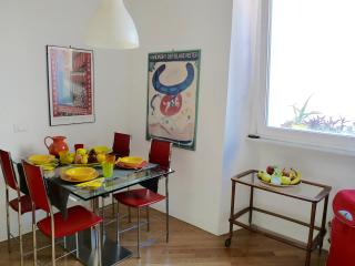 Bright And Comfortable Apartment in Rome Center