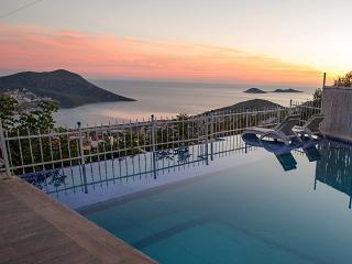 5 Bedroom Villa with very private Pool & Sea Views, Kalkan