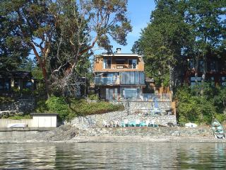 Absolute waterfront on the stunning Saanich, North Saanich