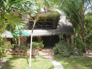 2 Bedroom Beach front Thatched Hideaway for 4-6 p.