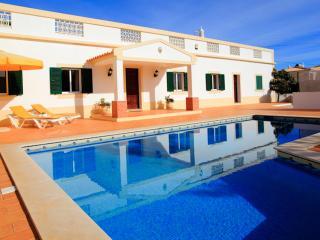 Casa da Bia com piscina privada ideal para famílias
