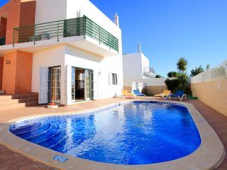 Casa do Ze, fantastica moradia com piscina perto de tudo, Albufeira