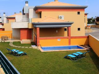 Jardim da Branqueira Casa L, moradia 4 quartos com piscina, excelente relaçao, Albufeira