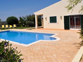 Vila Grade, fantastica moradia com piscina, ideal para uma familia - Guia