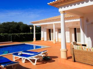Vila Balaia, magnifica moradia com piscina privada e areas ampla