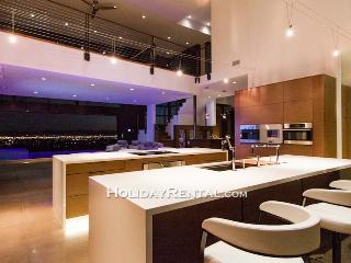 Modern City Lights - First Class Accommodations, Scottsdale