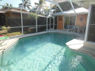Waterfront Pool Home Close to the Beach, Fort Myers Beach