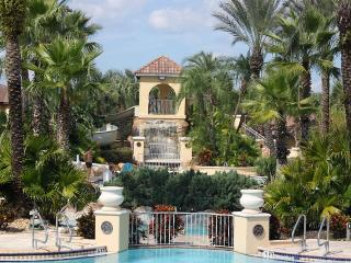 AWESOME 4 Bed/3.5 Bath House at Regal Palms Resort, Davenport